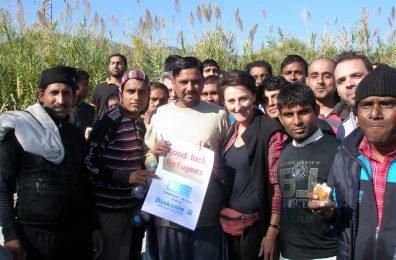 Υποδοχή προσφύγων στην περιοχή του αεροδρομίου